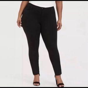 Torrid Black Pointe Pants Skinny Size 22